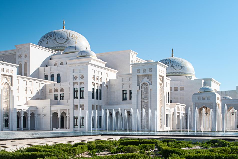 Abu Dhabi, la meta ideale per ogni viaggiatore.